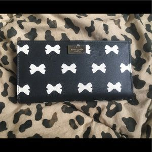 Kate Spade Black and White Bow Wallet